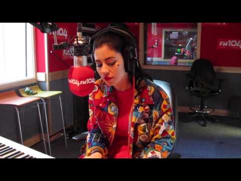 Marina And The Diamonds - How To Be A Heartbreaker (Acoustic Version)